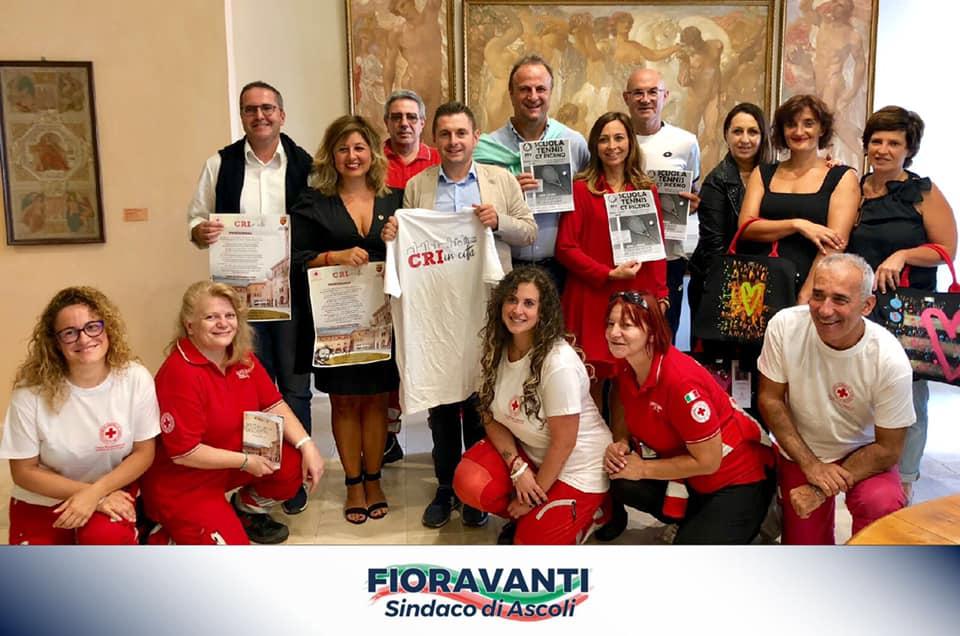 In piazza con la Croce Rossa Italiana