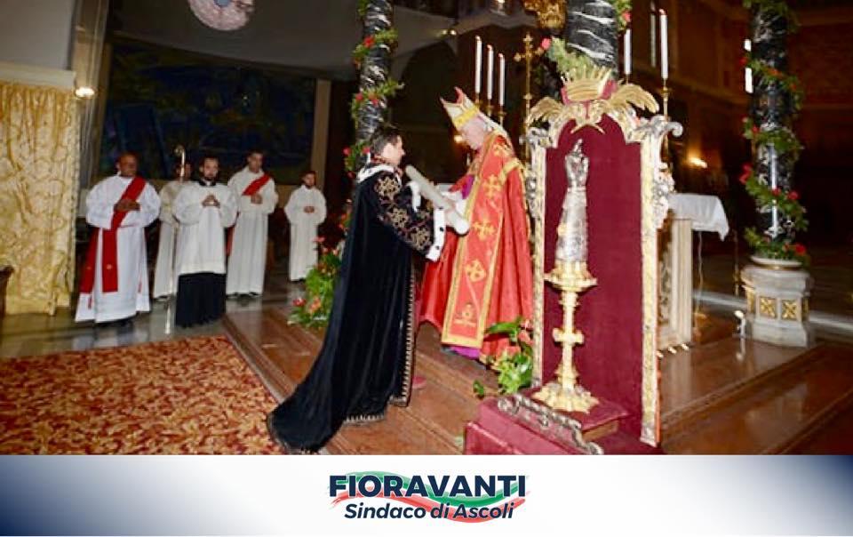 Cerimonia dell'Offerta dei Ceri nella splendida cornice della Cattedrale cittadina!