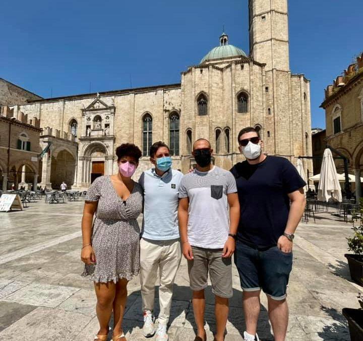 Federica, Francesco e Stefano sono tre ragazzi che da Latina hanno deciso di venire a vivere ad Ascoli!