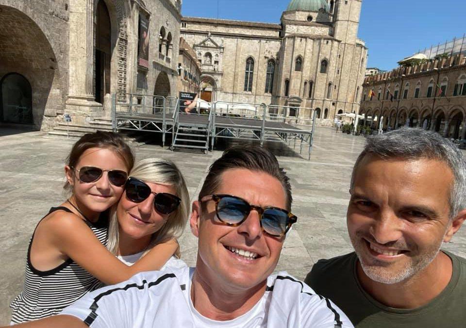 Gli amici pesaresi Annalisa, Stefano e la loro bambina sono in città per seguire l'esordio in campionato del nostro Ascoli Calcio!